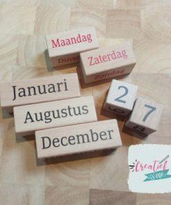 houten kalender, gekleurd