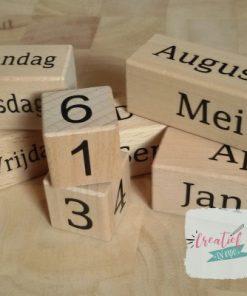 eeurwig durende houten kalender