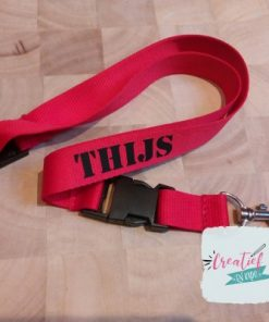 rood keycord met naam Thijs