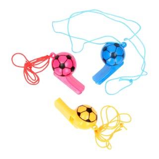 voetbal fluitje gekleurd aan koord