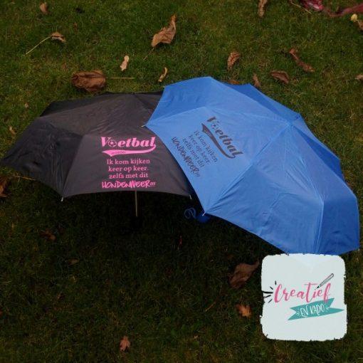 paraplu zwart en blauw voetbalmoeder