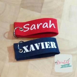 sleutelhanger rood Sarah, sleutelhanger navy Xavier, sleutelhanger met naam