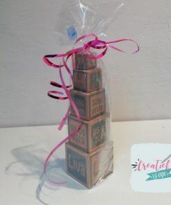houten geboorte toren verpakt