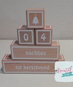 houten blokken piramide kerstavond