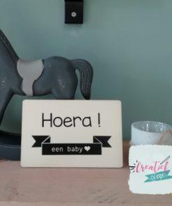 houten wenskaart hoera een baby