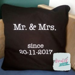 Kussenhoes zwart Mr& Mrs
