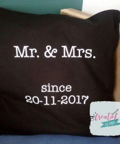 Kussenhoes zwart Mr& Mrs