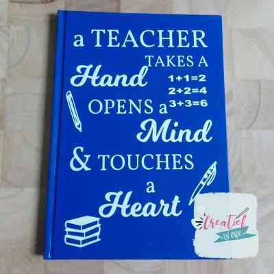 notitieboek blauw a teacher takes a hand