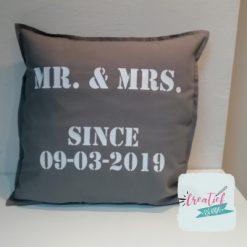 kussenhoes Mr&Mrs stoer
