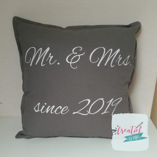 kussenhoes Mr&Mrs sierlijk
