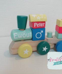 houten trein met naam, kraamcadeau met naam, geboortecadeau met naam, Ewout