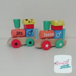 houten trein met naam, kraamcadeau met naam, Jits en Jason