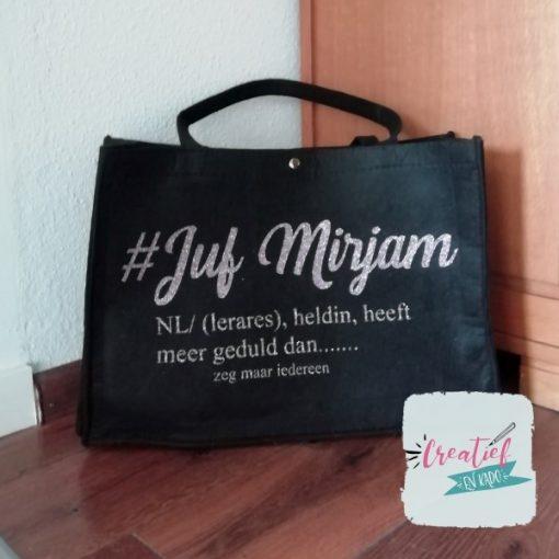 vilten tas #juf, vilten tas XL, vilten tas zwart, cadeau juf