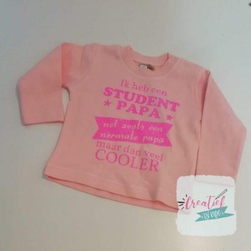 licht roze shirte, student papa, shirtje baby meisje