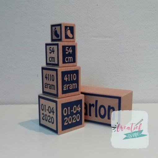 houten blokken geboorte toren, kraamcadeau met geboortegegevens, cadeau geboorte jongen