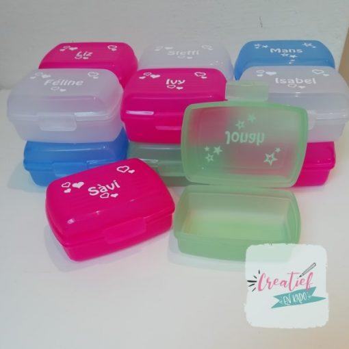 traktatie box met naam, naam traktatie, snackbox met naam,