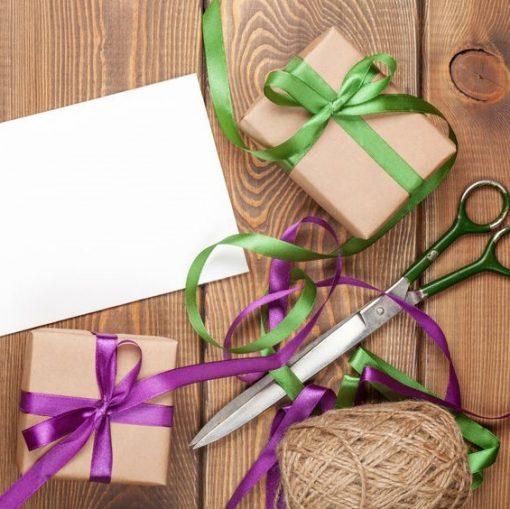 cadeau inpakken, inpakken materialen, diy inpakken, cadeau zakjes, cadeau stickers