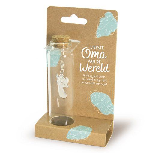 sieraad in een flesje liefste oma, cadeau oma, liefste oma van de wereld