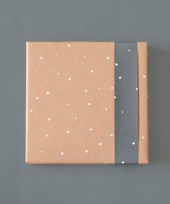 cadeau papier little dot roze, inpakpapier little dot, kado baby verpakken, inpakken