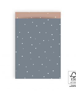 cadeauzakje little dots sky blue, papieren cadeau zakje, kadozakje papier, geboorte kado inpakken