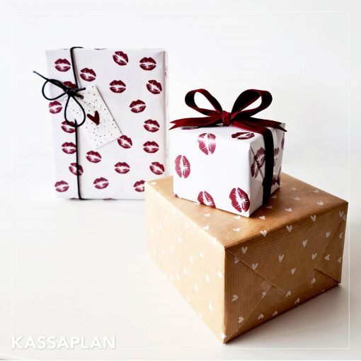 cadeau papier kiss me tender bordeaux, inpakpapier kiss me tender, inpakken, kado papier white hearts